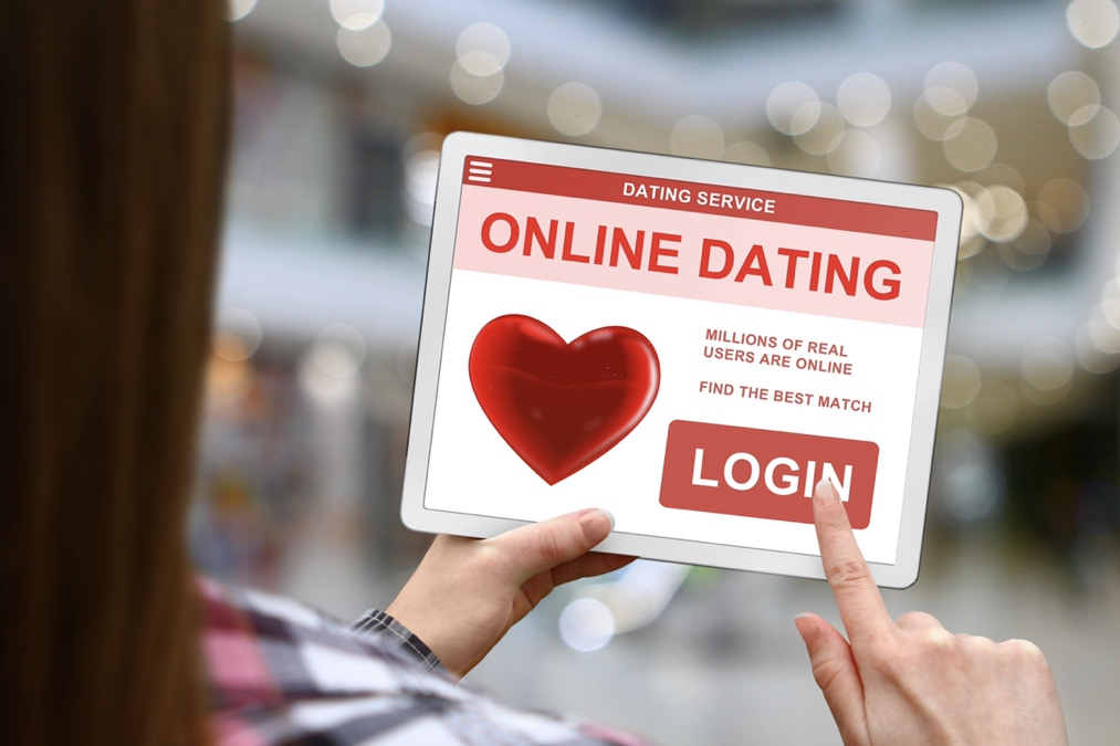 Why choose online dating and how you can be successful